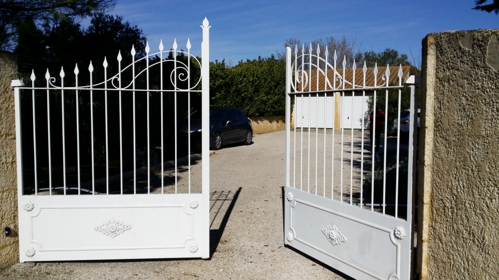 automatisme de portail avignon carpentras cavaillon orange. Black Bedroom Furniture Sets. Home Design Ideas